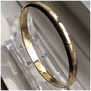 Jewelry - 14KT Yellow Gold Etch & Smooth Texture Bangle 6.75